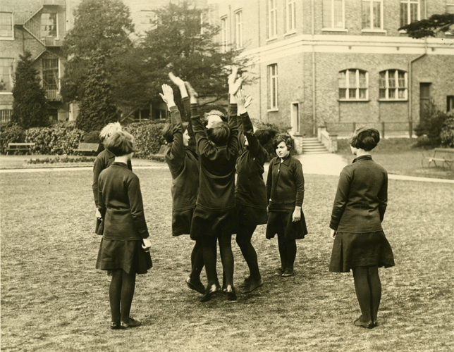 Girl Guides of the P.O. at signalling practice - 1930